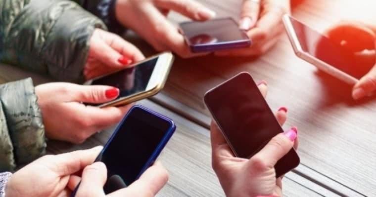 62f015ed63 7 Sites para comprar telemóveis baratos - Economias