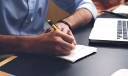Cheque bancário: quando usar, custo e vantagens