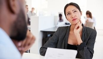 Como falar de si na entrevista de emprego