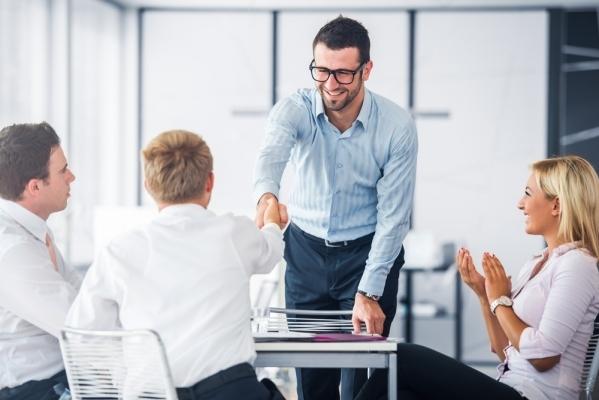 6 Formas De Agradecer A Um Colega De Trabalho E De Ficar Bem Na