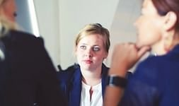 Recrutamento interno ou externo? Diferenças, vantagens e desvantagens
