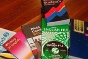 Saiba como poupar nos manuais escolares
